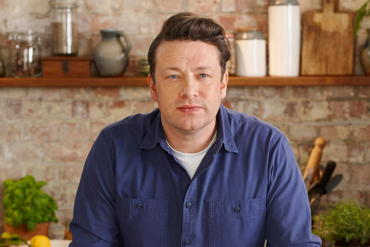 Jamie Oliver wants unhealthy vending machines to be ditched in the workplace