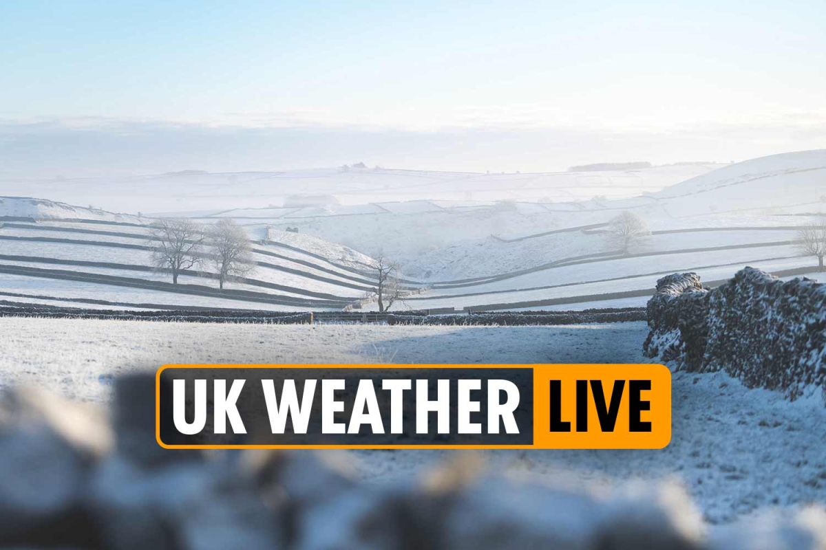 UK weather forecast live – Torrential rain to BATTER Britain this week, Met Office warns as Essex braces for FLOODS